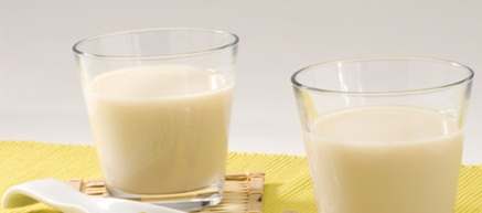 Holi Recipe: Thandai (Delicious Almond-Spiced Milk)