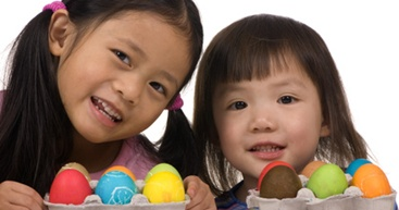 Easter Craft: Design and Dye Eggs (Naturally)